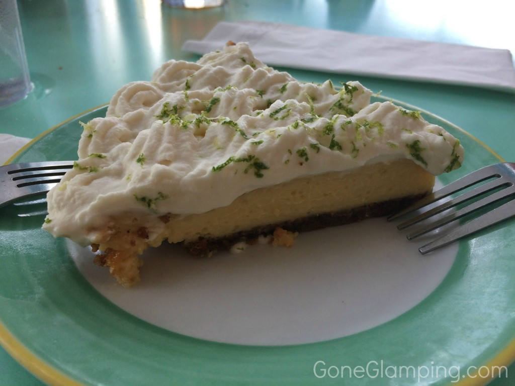 Key Lime Pie at Six Toed Cat